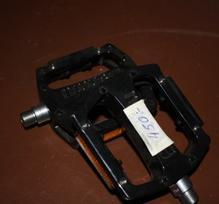 Snafu pedaler